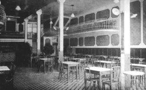 Imatge antiga de l'interior de la Fonda Cafè Pessets