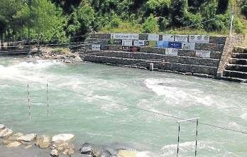 Imatge del riu, al seu pas per Sort, totalment recuperat després de les últimes riuades (foto: Ajuntament de Sort)