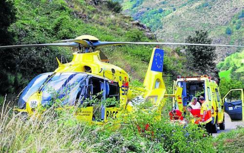 Imatge de l'accident que es va registrar a Sort, on la ferida va ser traslladada en helicòpter a l'Arnau (foto: ACN)