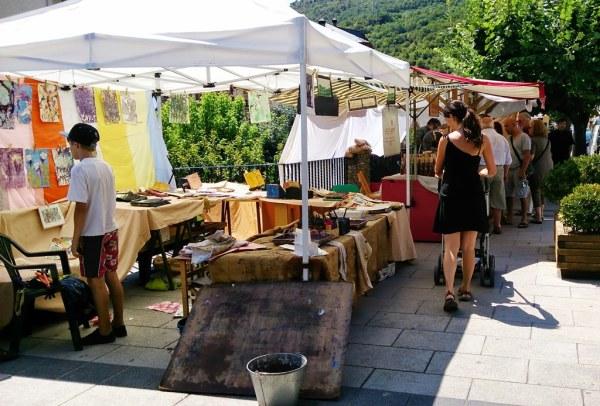 El mercat té lloc a l'avinguda Comtes del Pallars (foto: Ajuntament de Sort)