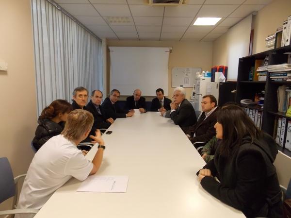 El conseller, ahir al CAP de Sort amb representants locals (foto: Ajuntament de Sort)